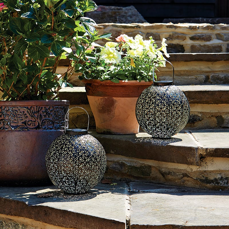 Damasque Outdoor Solar Lantern  Antique Bronze